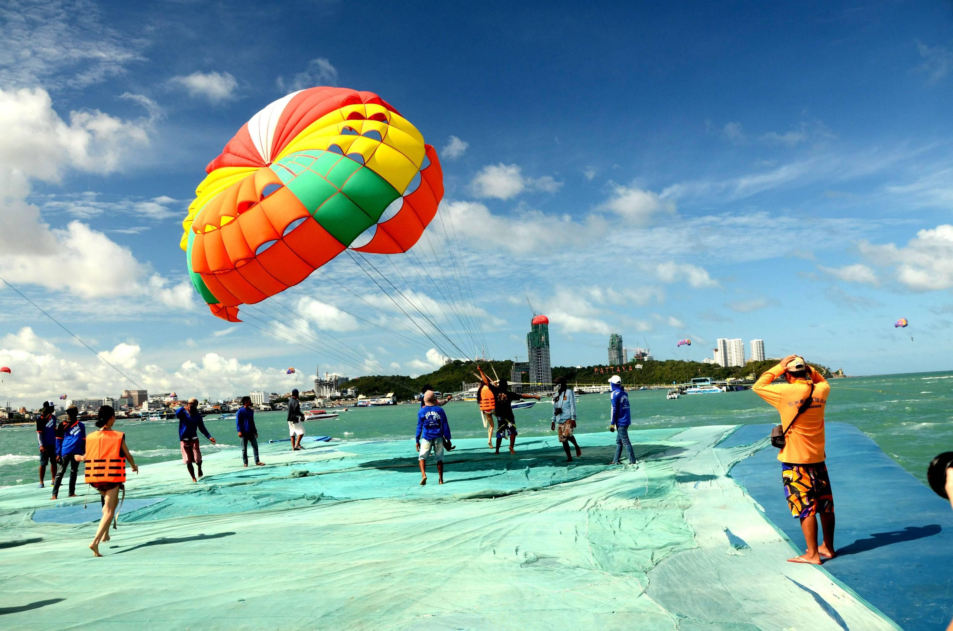 【十全十美】泰国曼谷 芭提雅 大皇宫 月光岛 56层观光塔 游轮All-star ship 双飞六天